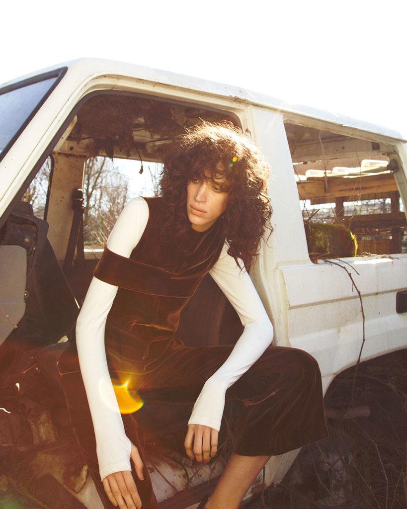 Schon magazine Photographer Gautier Pellegrin Hair stylist Chiara Bussei editorial woman