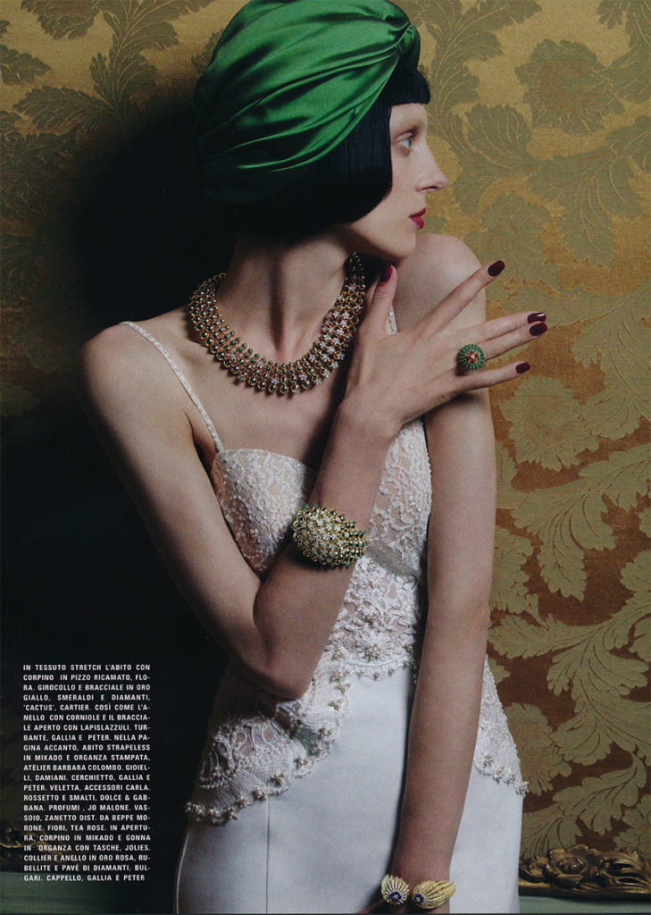 Vogue sposa Photo by Greg Lotus manicure Carlotta Saettone