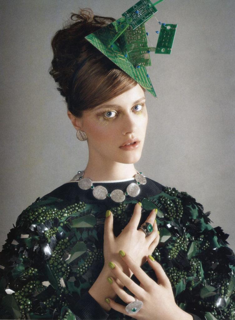 Vogue gioiello hair Stefano Gatti make-up Arianna Cattarin manicure Carlotta Saettone editorial woman