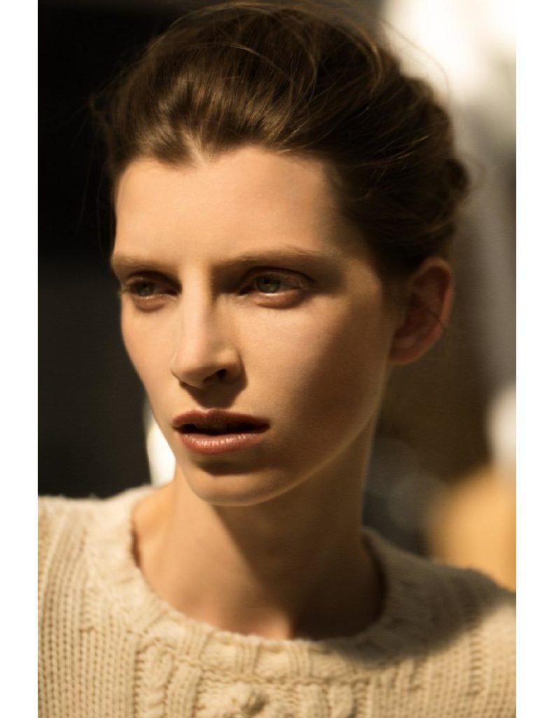 Under the influence photographer Arnau Lajeunie make-up Hugo Villard