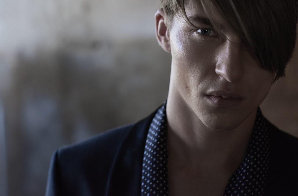 style magazine italia photographer Michael Woolley make-up Augusto Picerni