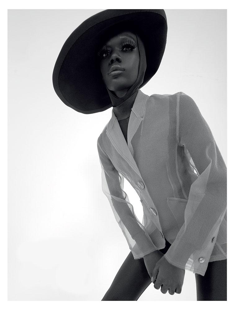 Harper's Bazaar Thailand - Photographer Francesco Vincenti - Stylist Lucio Colapietro -  Make Up Sissy Belloglio