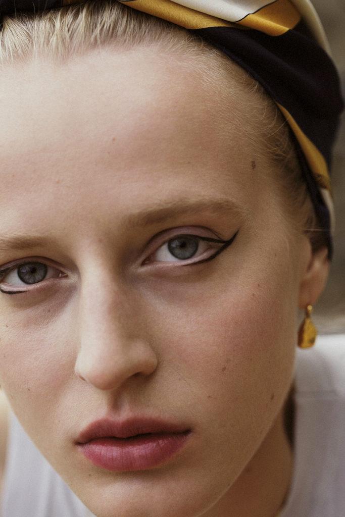 Anine van velzen - photographer Carlotta Bertelli - make-up Roman Gasser - hair Gianluca Guaitoli