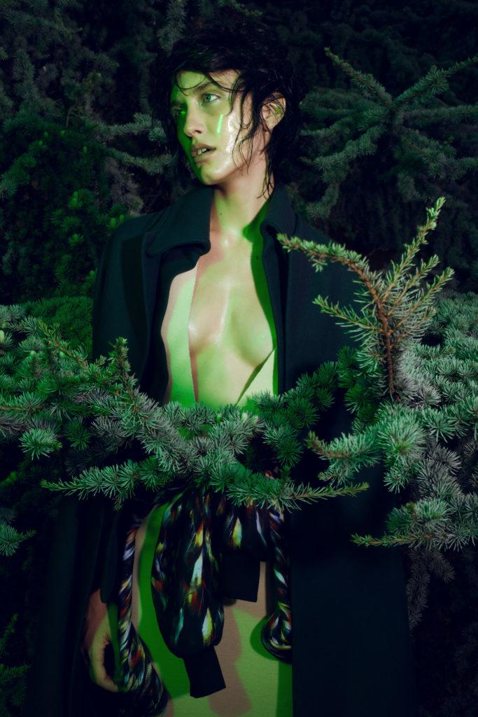 Schon magazine - photographer Gautier Pellegrin - make-up artist Kassandra Frua