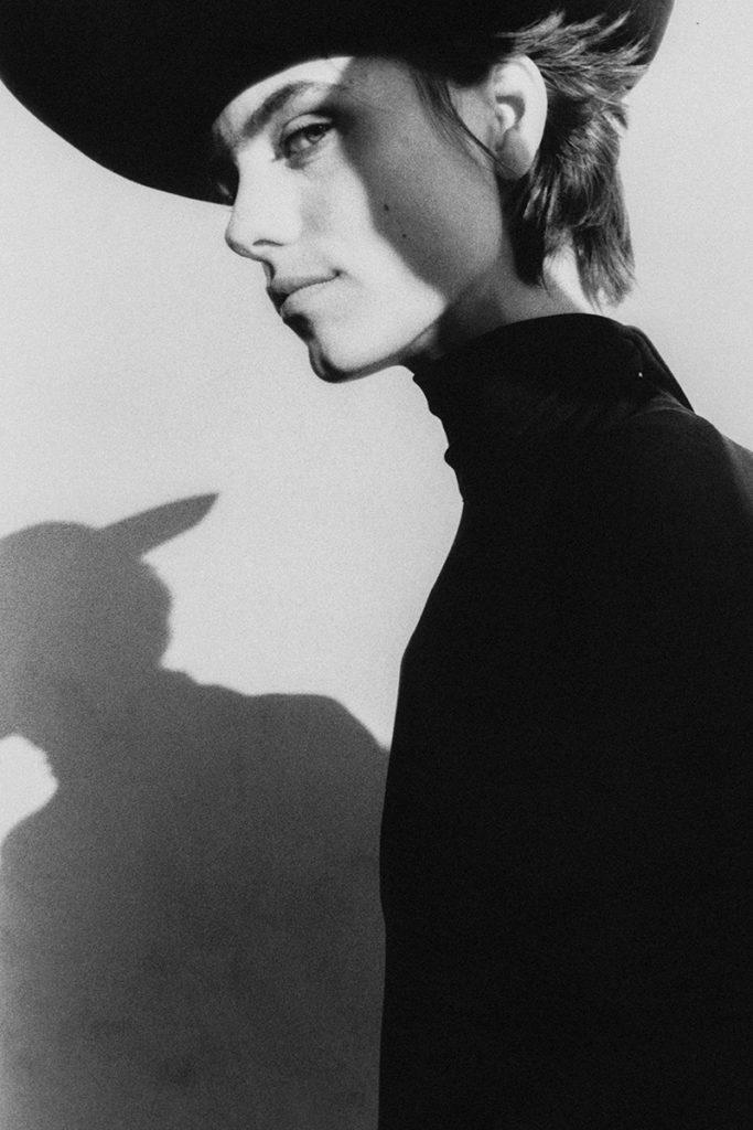 Vogue Ukraine - photographer Riccardo Raspa - make-up Kassandra Frua
