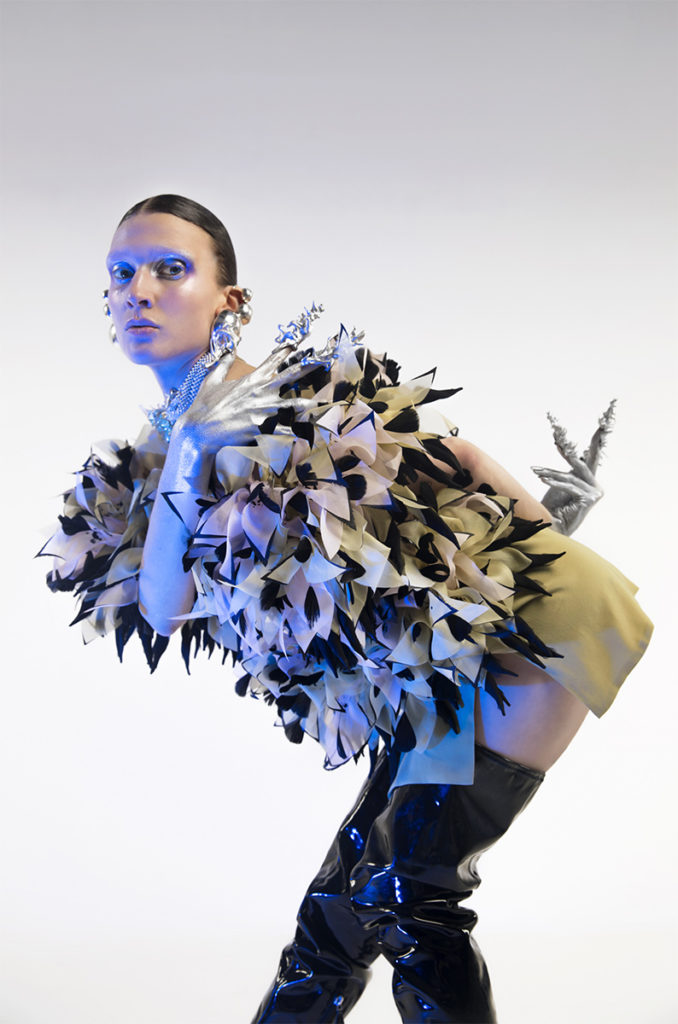 Les Inrockuptibles - photographer Valentin Fabre - styling Manon del colle - make-up - hugo villard - WM-Artist Management - Milano