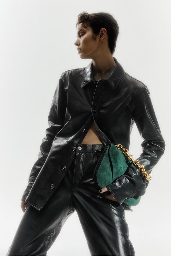 T magazine australia - photographer Adrian Price - styling Aleksandra Beare - hair Rory rice - WM-Artist Management - w-mmanagement - milano