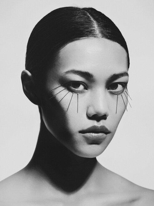 Numéro France - photographer Bastian Voudt - styling Rebecca Bleynie - makeup - hugo villard - wm-artist Management - w-mmanagement